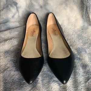 Black pointy toe flats size 7